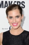 Allison Williams in Sophie Theallet