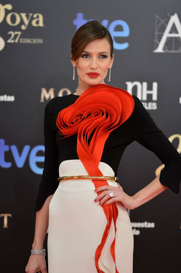 Nieves Alvarez in Stéphane Rolland Couture