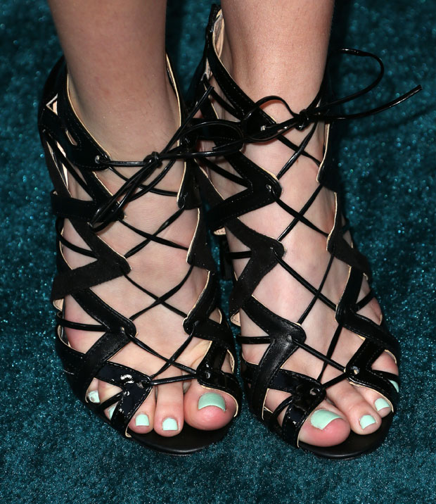 Bella Thorne's shoes