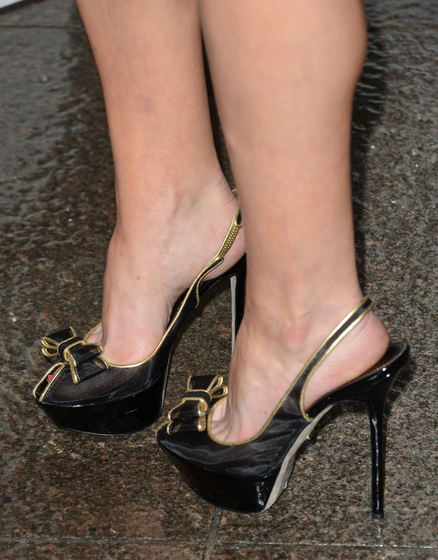 Elisabeth Moss' Sergio Rossi heels
