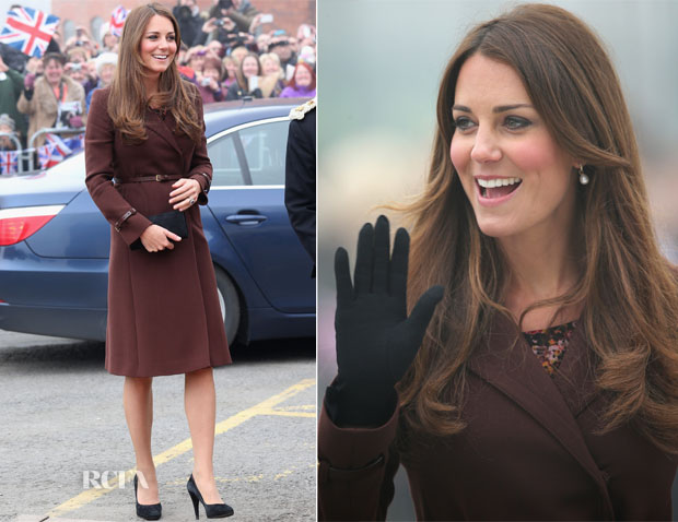 Catherine, Duchess of Cambridge In Hobbs - Grimsby Visit