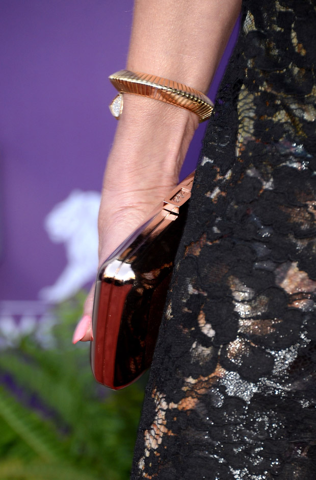 Faith Hill's Roger Vivier clutch