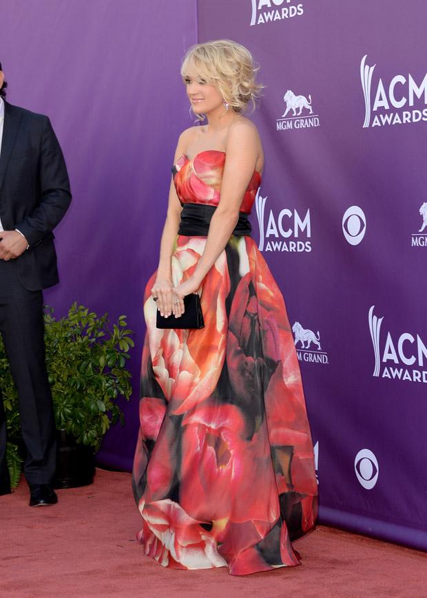 Carrie Underwood in Naeem Khan