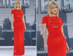 Alice Eve In Emilio Pucci - 'Star Trek Into Darkness' Berlin Premiere