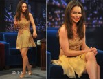 Emilia Clarke In Versace - Late Night With Jimmy Fallon
