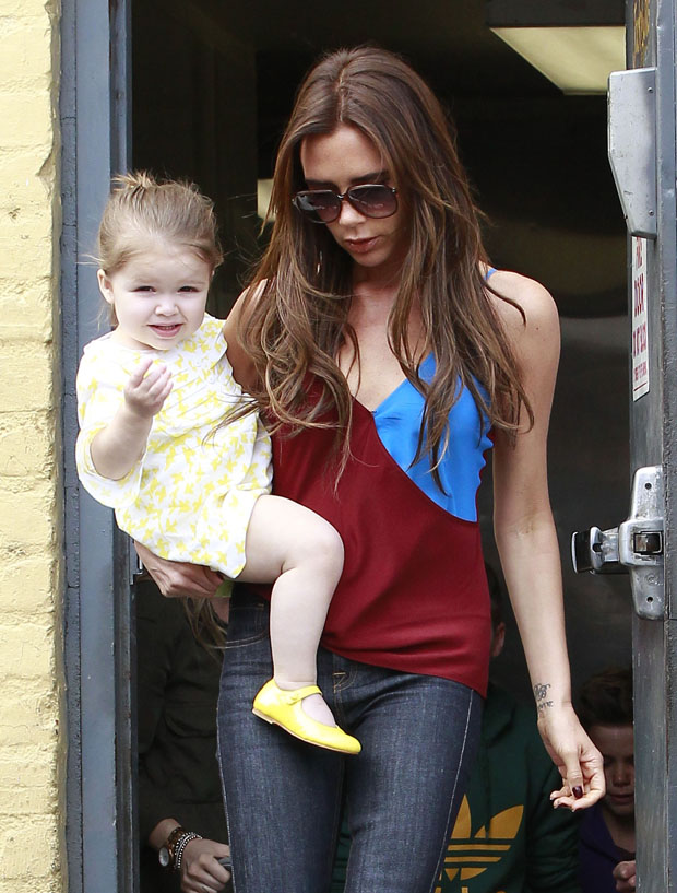 Victoria Beckham Takes Her Kids To Breakfast At Jack & Jill's
