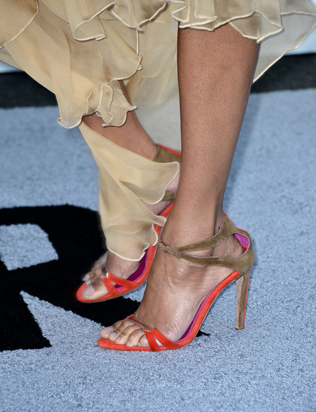 Zoe Saldana's Oscar Tiye shoes