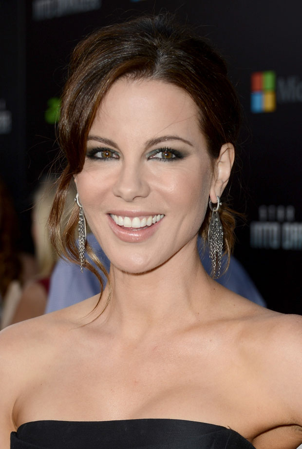 Kate Beckinsale in Alberta Ferretti