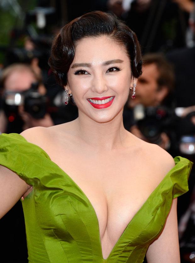 Zhang Yuqi in Ulyana Sergeenko Couture