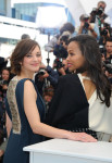 Marion Cotillard in Antonio Berardi and Zoe Saldana in Emanuel Ungaro
