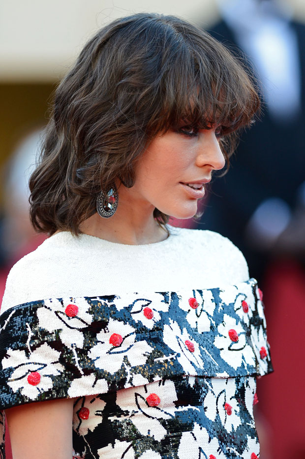 Milla Jovovich in Chanel Couture