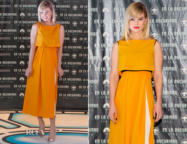 Alice Eve In  Roksanda Ilincic - 'Star Trek Into The Darkness' Mexico Press Conference