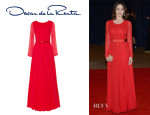 Emily Mortimer's Oscar de la Renta Pleated Gown