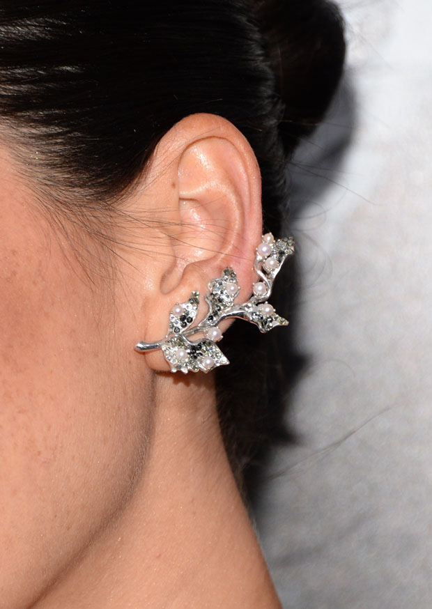Olivia Munn's ear cuff