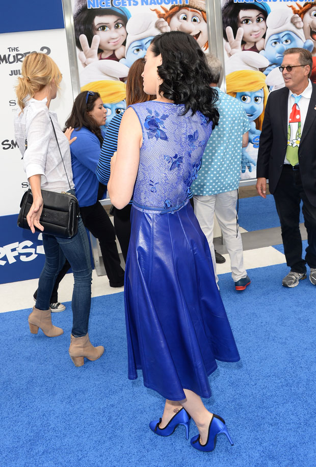 Katy Perry in Tadashi Shoji