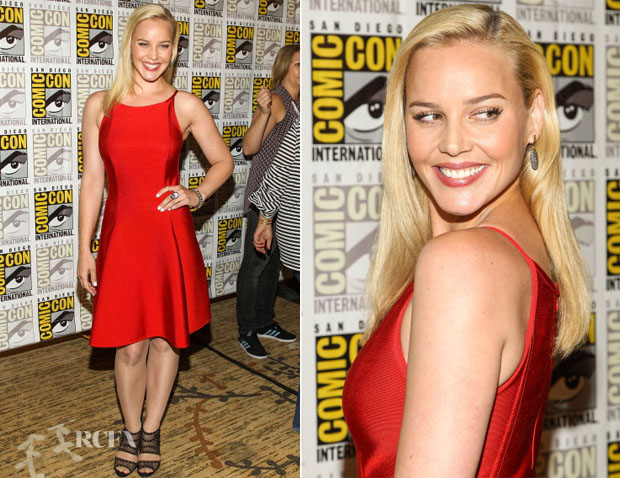 Abbie Cornish In Herve L Leroux - RoboCop' Press Line Comic Con