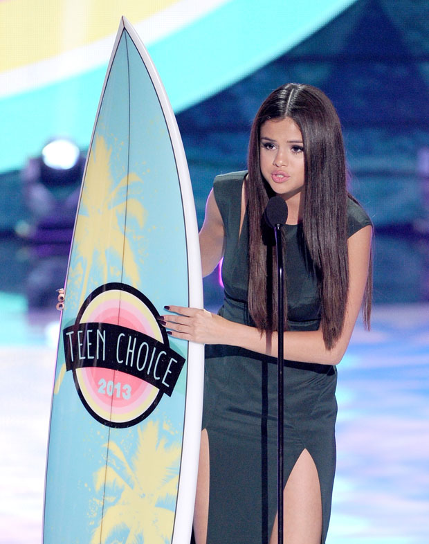Selena Gomez in Cushnie et Ochs