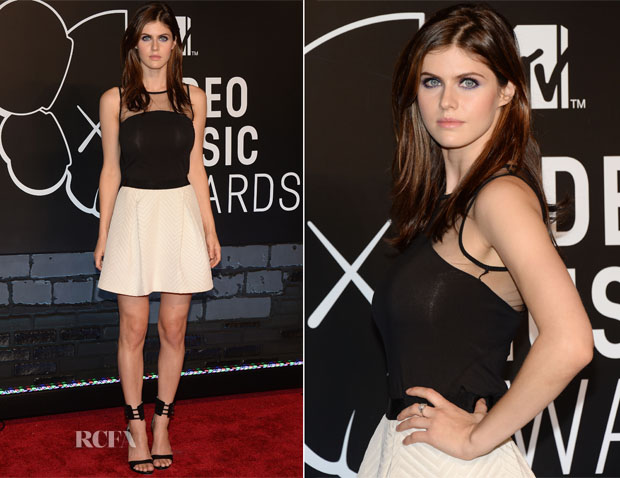 Alexandra Daddario In DKNY - 2013 MTV Video Music Awards #VMAs
