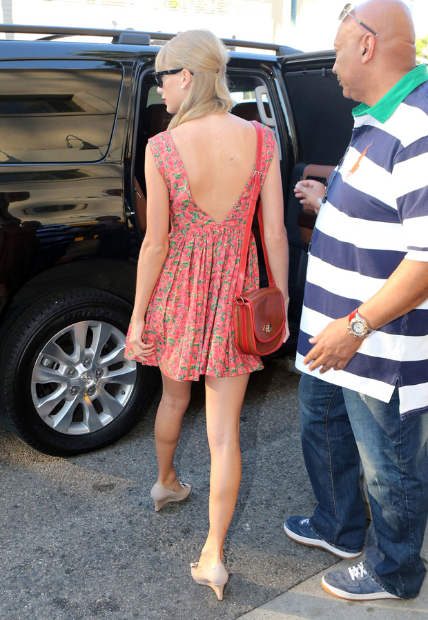 Taylor Swift in Contrarian New York