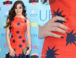 Hailee Steinfeld's Teen Choice Awards Starburst Nail Art