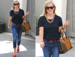 Reese Witherspoon In Frame - Out In Santa Monica