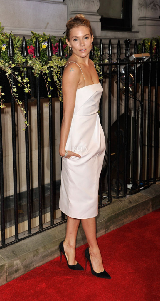 Sienna Miller in Carven