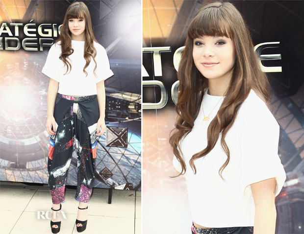 Hailee Steinfeld In Osman and Clover Canyon - 'Ender's Game' Paris Photocall
