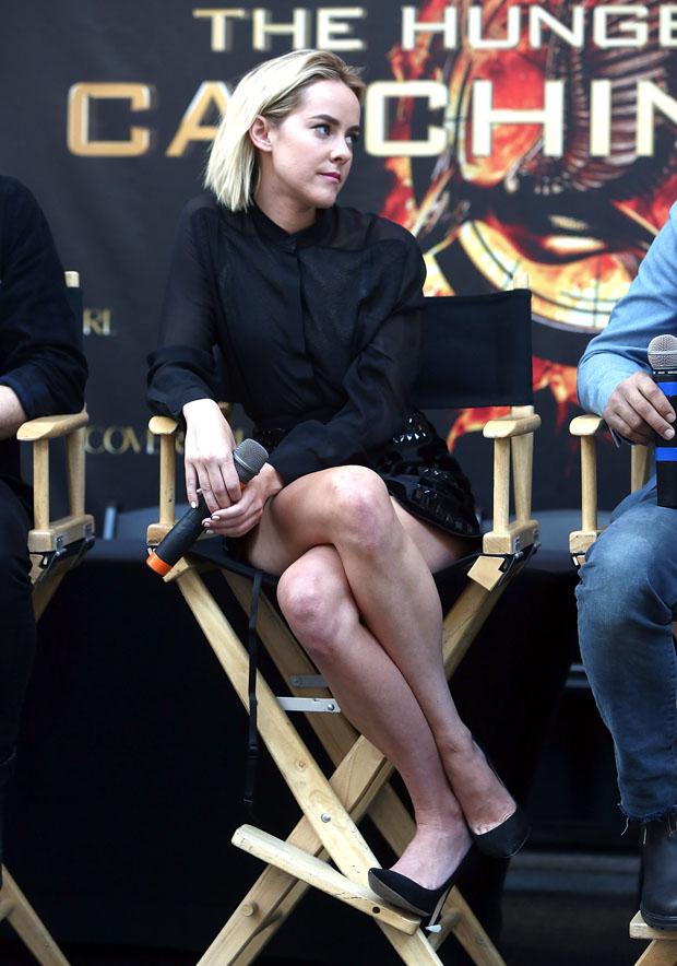 Jena Malone in Andrew Gn