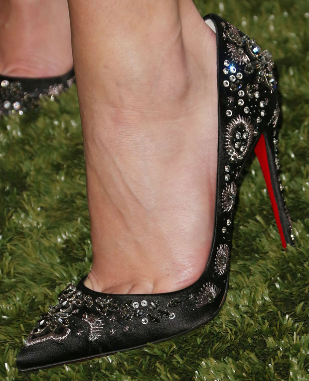 Rosie Huntington-Whiteley's Christian Louboutin  'Artifice' pumps