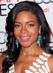 Get the Look: Naomie Harris' Glowing Red Carpet Makeup