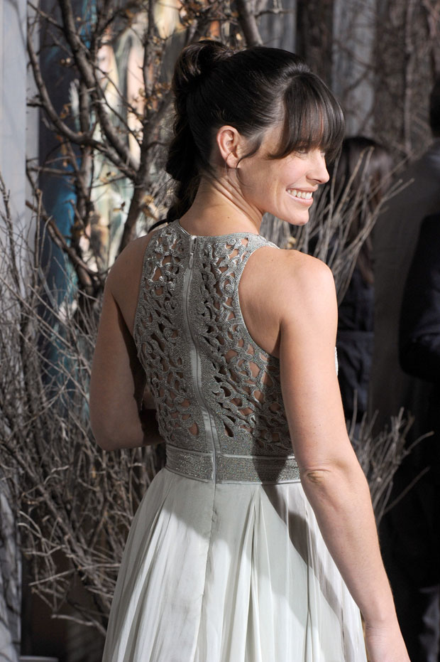 Evangeline Lilly in Catherine Deane