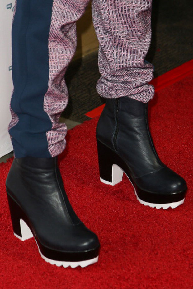 Bella Thorne's boots