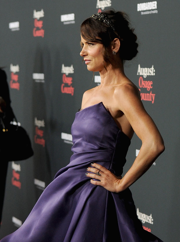 Juliette Lewis in Monique Lhuillier