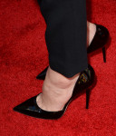 Elizabeth Banks's pumps