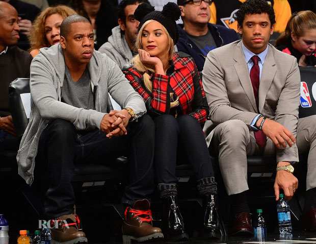 Beyonce Knowles In Karl Lagerfeld - Brooklyn Nets Game