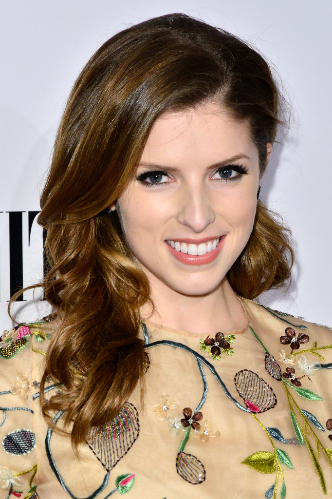Anna Kendrick in Tory Burch