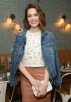 Mandy Moore in Tanya Taylor