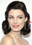 Get The Look: Jessica Pare's Classic PaleyFest Curls