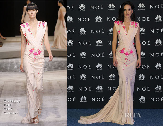 Jennifer Connelly In Givenchy Fall 2009 Couture - 'Noah' Mexico City Premiere