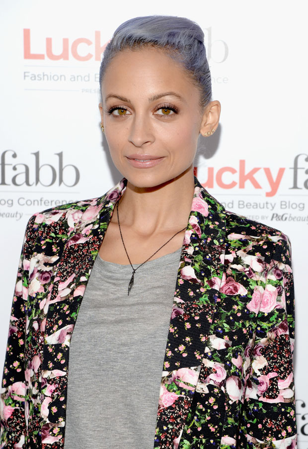 nicole richie in lucky fabb fashion and beauty blog conference red carpet fashion awards. Black Bedroom Furniture Sets. Home Design Ideas