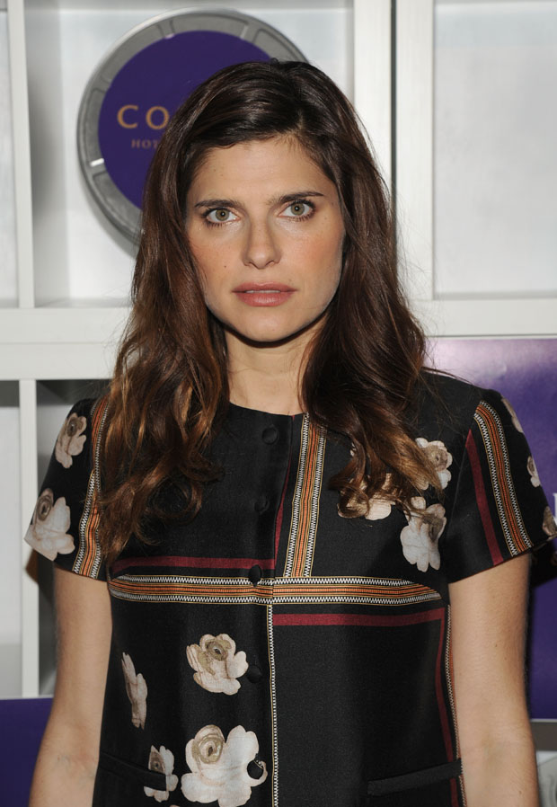 Lake Bell in Suno