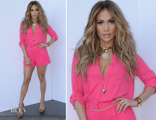 Jennifer Lopez In Kohls - 'American Idol Season 13 Top 8 To 7′ Live Show