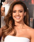 Get The Look: Jessica Alba's MTV Movie Awards Bouncy Curls