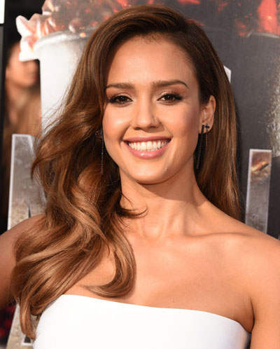 Get The Look Jessica Alba S Mtv Movie Awards Bouncy Curls
