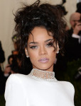 Get The Look: Rihanna's Glowing Met Gala Makeup