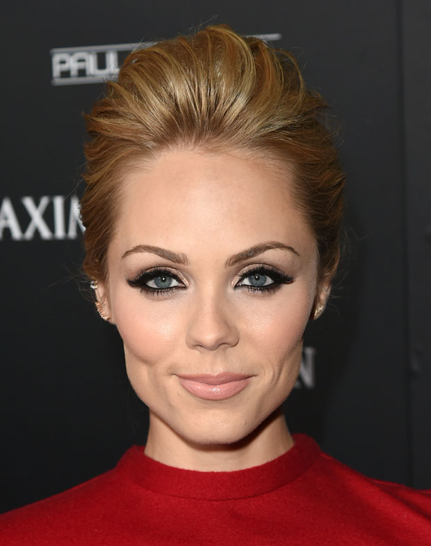 Laura Vandervoort in Alice + Olivia