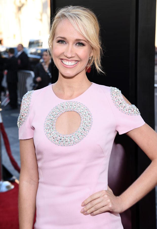 Anna Camp in Azzaro