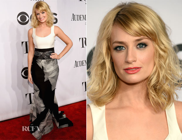 Beth Behrs In Carolina Herrera - 2014 Tony Awards