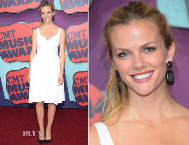 Brooklyn Decker In Jilll Stuart - 2014 CMT Music Awards