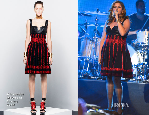 Hillary Scott In Alexander McQueen - 2014 CMT Music Awards